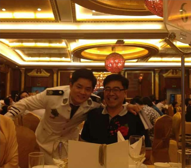 互联在线总经理与深圳互联网协会会长合影